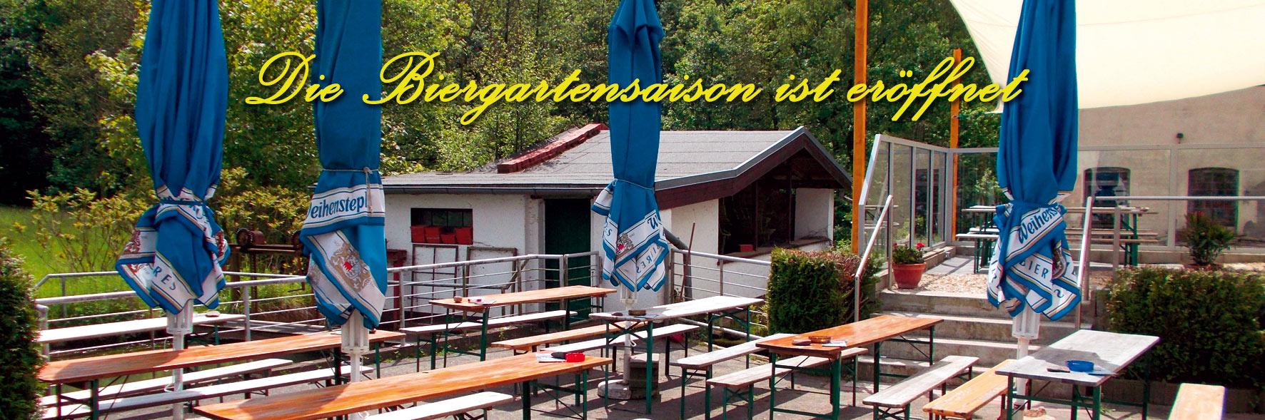 Foto vom Biergarten im Sommer