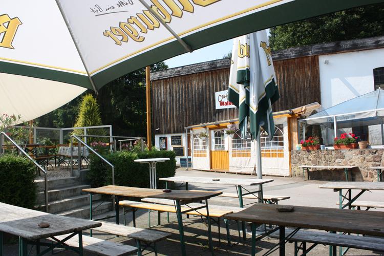 Blick vom Biergarten auf die Walkenmühle