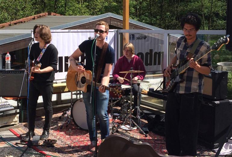 Foto der Band The Dumbos bei ihrem Auftritt in der Walkenmühle 2015